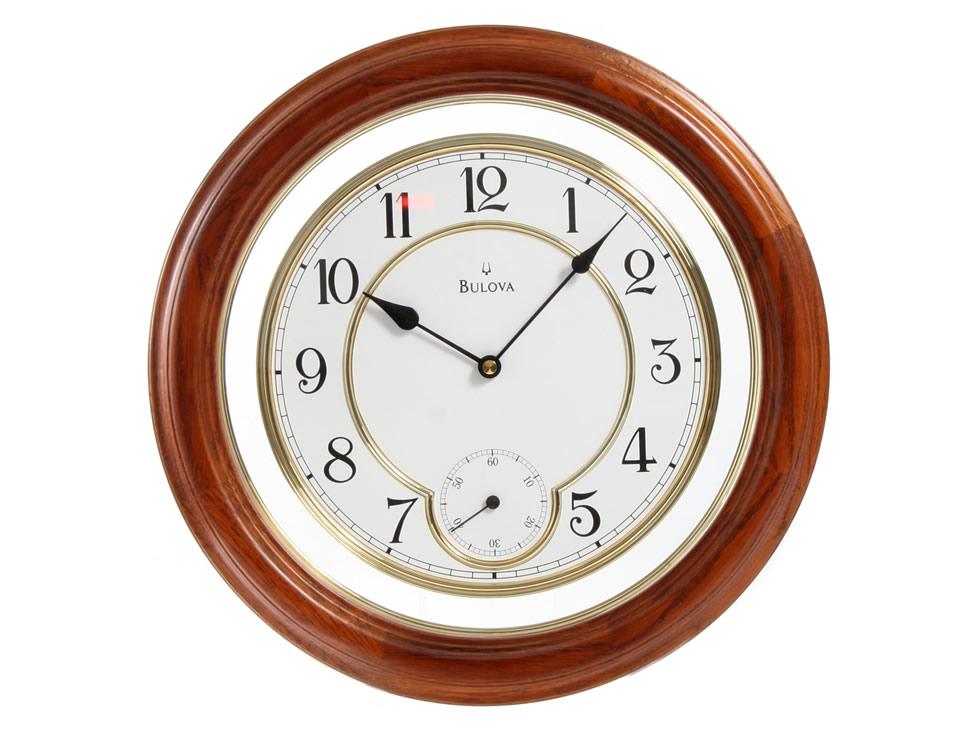 Reloj de pared cl sico madera natural bulova c4596 for Relojes de pared antiguos precios
